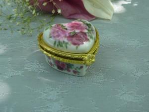 caseta ceramica inima
